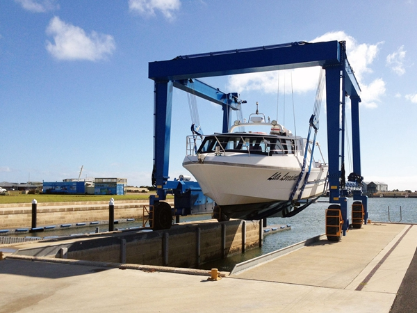 Buy Port Used Small Travel Lift Boat Crane