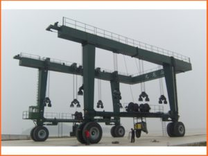Buy Rubber Tyre Travel Lift For Sale