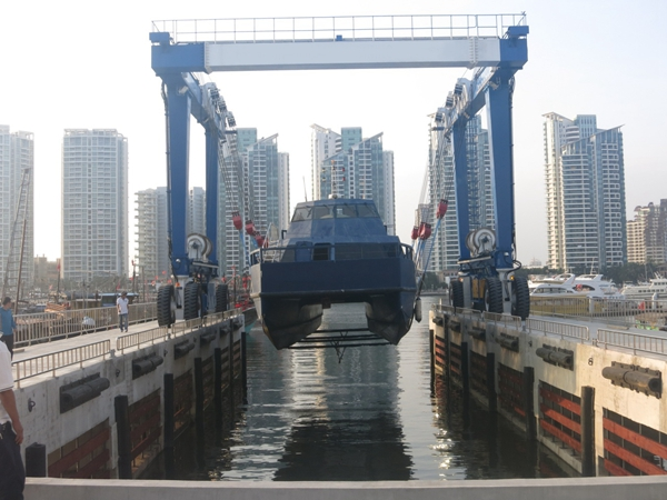 Ellsen Amphibious Travel Hoist Gantry Crane
