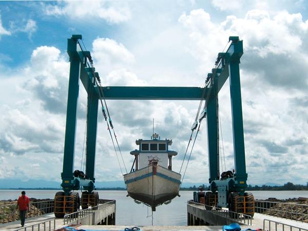 Ellsen Dock Travel Lift