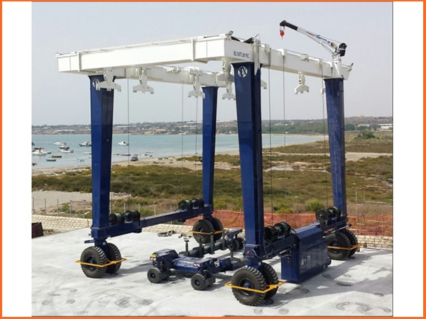 Ellsen Shipyard Travel Lift