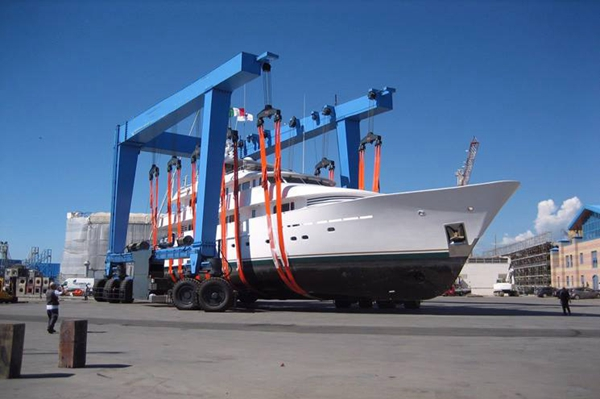 Marine Boat Lift Supplier