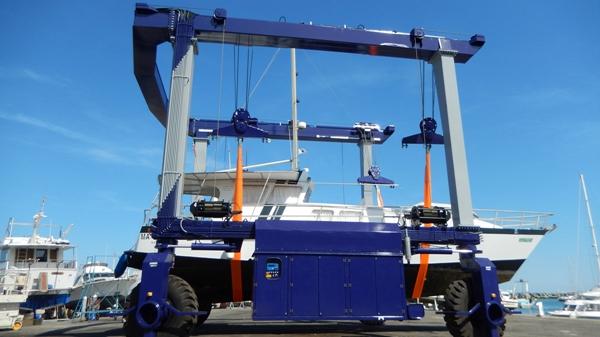 Mobile boat Hoist Travel Lift For Boats