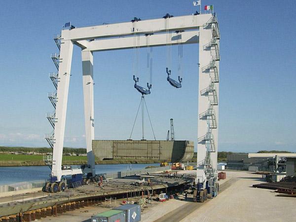 200 Ton Mobile Boat Hoist