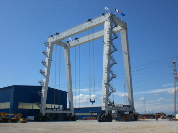 300 Ton Vessel Travel lift