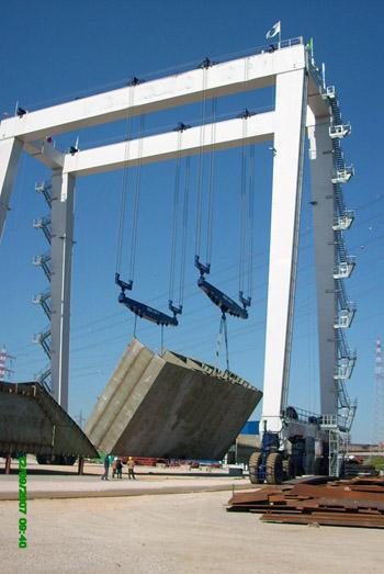 Customized Travel Lift 200 Ton