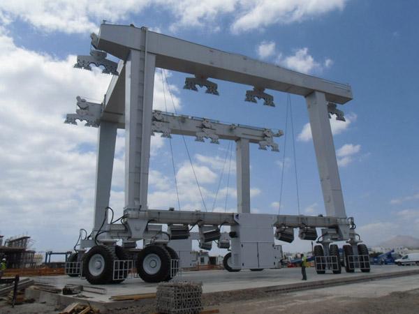 Heavy Duty 600 Ton Travel Lift