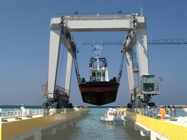 Large 500 Ton Travel Lift For Sale