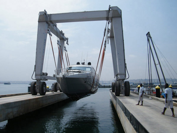 Mobile 400 Ton Boat Hoist Lift