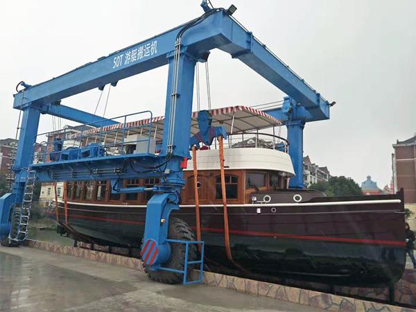 Light Duty Travel Lift for Boat