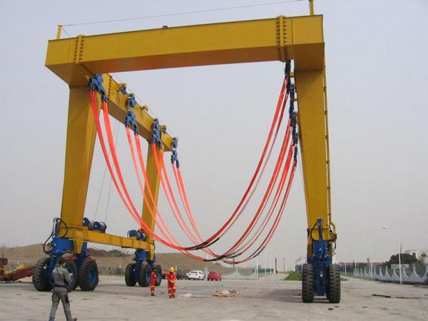 Mobile Boat Lift Manufacturer
